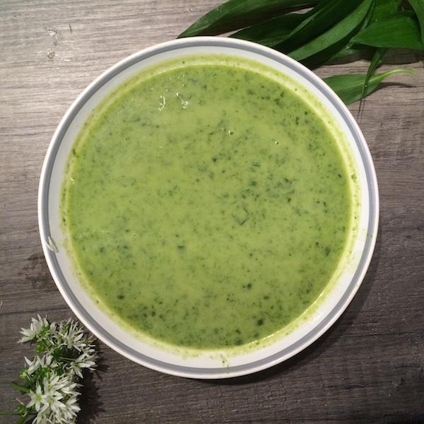 Rezept für selbstgemachte Bärlauchcremesuppe
